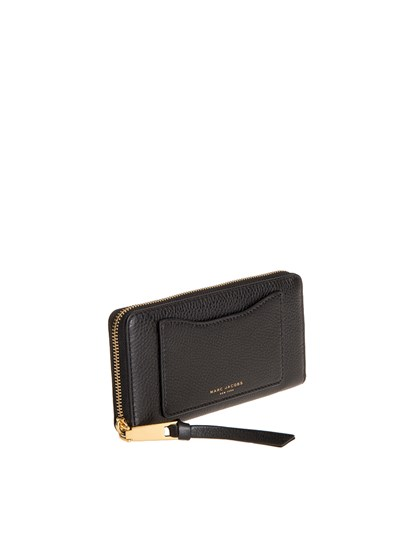 competitive price 67d9e f7071 Leather Wallet