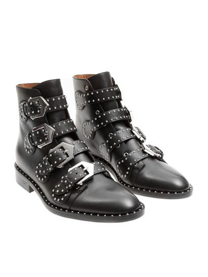 Givenchy - Elegant ankle boots in black leather