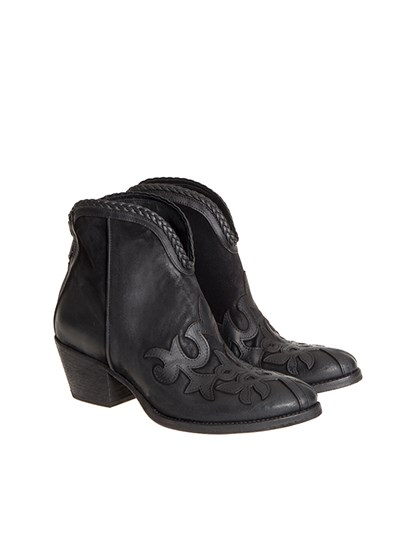 Black leather texan ankle boots, front details, rear zip closure. - Strategia - Leather ankle boots