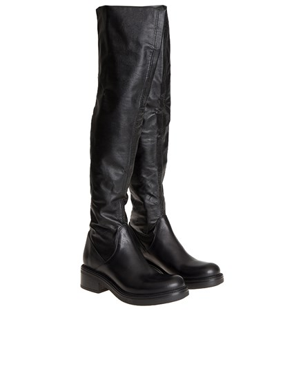 Black leather boots, rubber sole. - Strategia - Emily T. boots