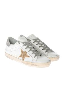 Golden Goose Deluxe Brand - White leather and golden glitter star Superstar sneakers