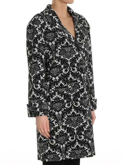 1910e13a8c4 moschino boutique black and white jacquard coat 0602 1117 1555 a027ec50-9388-4604-8386-ef35a455a6db.jpg