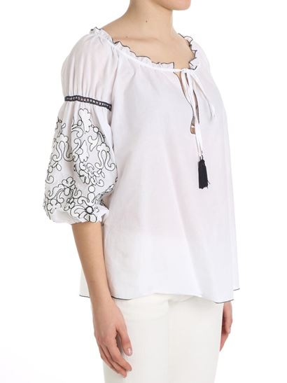 White blouse with embroidery on the sleeves Ki6? Who are you? For Nice Sale Online Buy Cheap For Sale Outlet Where To Buy Visit Online Free Shipping Limited Edition 4WuwKwp4