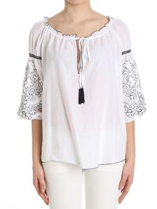 KI6? Who are you? - White blouse with embroidery on the sleeves